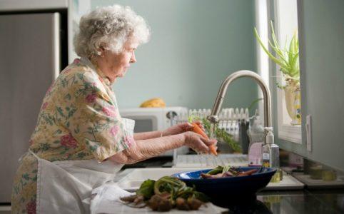 Koronawirus niebezpieczny dla seniora